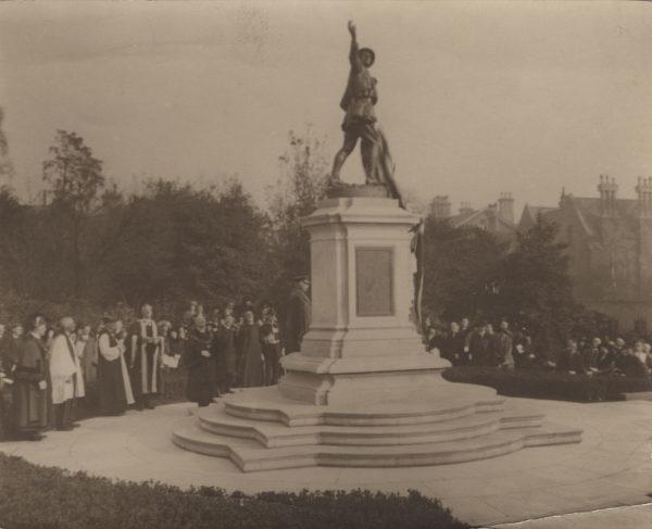 19-war-memorial